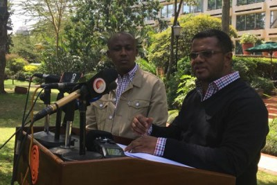 Makueni Senator Mutula Kilonzo Jr (left) and his Mombasa counterpart Hassan Omar Hassan address reporters in Nairobi.