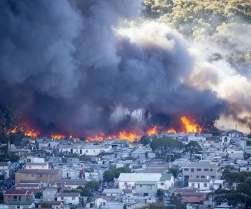Fatalities, Homes Destroyed Following Hout Bay Fires