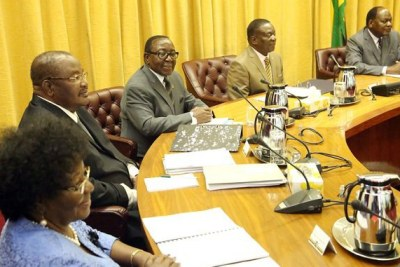 President Emmerson Mnangagwa chairs his inaugural Cabinet meeting while flanked by Ministers Sithembiso Nyoni, Obert Mpofu, Simon Khaya Moyo and Chief Secretary to the President and Cabinet Misheck Sibanda at Munhumutapa offices in Harare.