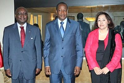 De gauche à droite: Dr. Donald Kaberuka, président de l'AfDB; Son excellence Blaise Compaoré, Président du Burkina Faso et Dr. Frannie Léautier, Secretaire Executif de l'ACBF.