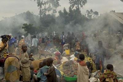 Des réfugiés congolais fuyant les combats près de Goma.