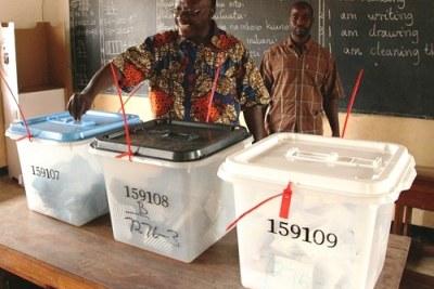 Un bureau de vote à Dar es Salaam en Tansanie.