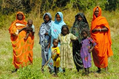 Des femmes et enfants du village de Goleh dans Abyei.