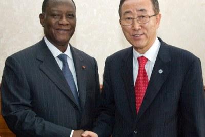 Secrétaire-Général Ban Ki-moon (à droite) rencontre Alassane Dramane Ouattara, Président des Rassemblement des Républicains (RDR).