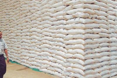 (Photo d'archives) - Le sucre stocké dans les hangars de la CSS à Richard-Toll peine à être vendu au moment où le consommateur continu d'acheter le produit à un prix élevé