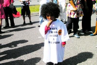 Photo d'archives : cet enfant porte un tee-shirt disant qu'il aimerait une presse libre quand il sera grand.