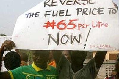 Les manifestants veulent le retour au prix initial