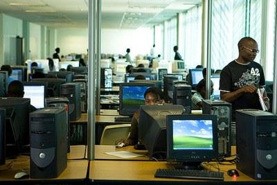 Des ordinateurs