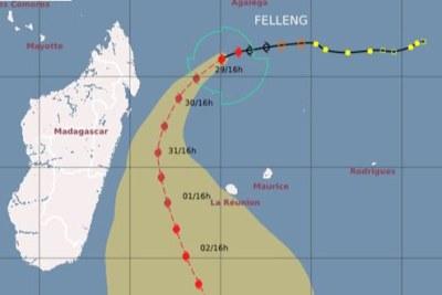 Felleng, devenu cyclone tropical, se dirige vers l'ouest-sud-ouest, à 13 km/h. Et, représente un danger pour Madagascar et l'île sœur notamment. Maurice semble être épargnée du centre pour l'instant, mais le temps devrait se dégrader graduellement.
