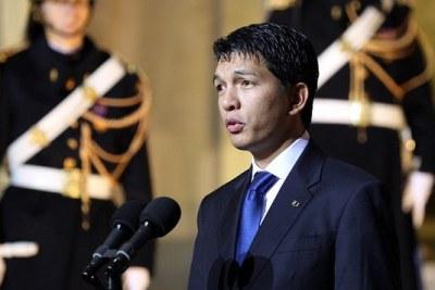 La visite officielle à l'Elysée, le 8 décembre 2011, de M. Andry Rajoelina