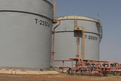 Khartoum to shut down South Sudan's oil pipelines by 7 Aug 2013 (file photo).
