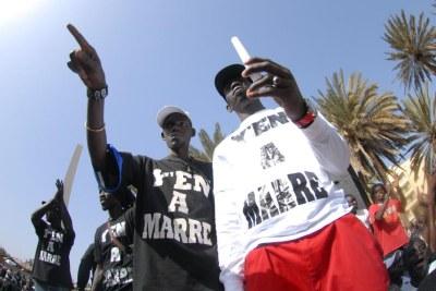 Le Mouvement Y'en a marre du Sénégal en action dans les rues de Dakar