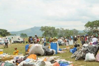 Les expulsés dans leur nouveau site d'accueil aménagé à Maluku dans la périphérie Est de Kinshasa