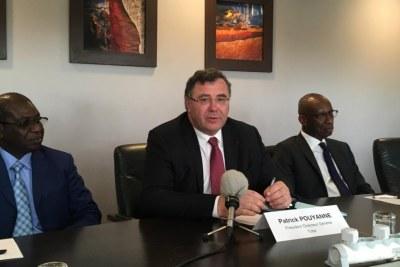 Patrick  Pouyane PDG de Total,  lors de la signature de l'accord