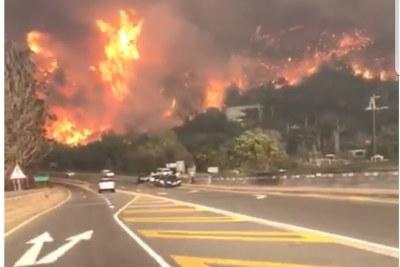 Gigantesque feu dans une ville africaine
