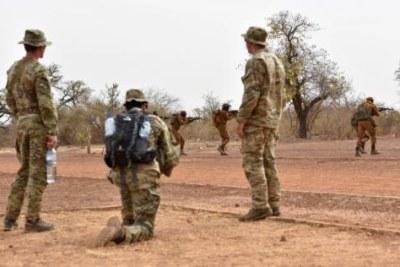 Des militaires