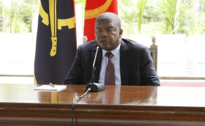 Cleaning House - Angolan President Sacks Governors, Ministers
