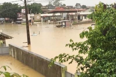 Pluies diluviennes à Abidjan:
