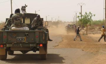 Attaque au véhicule piégé sur la base française de Gao au Mali