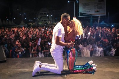 Vanessa and her bae Juma Jux recently kissed passionately during a recent tour performance.