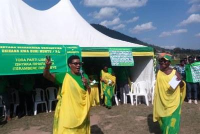 Donatile Mukabalisa, présidente du Parti libéral, a assuré les Rwandais que son parti accorderait une attention particulière à l'autonomisation des organes administratifs au niveau local.