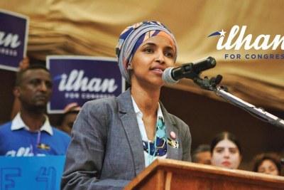 Ilhan Omar à la première en campagne électorale.