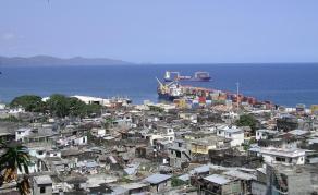 L'armée entre dans la médina de Mutsamudu aux Comores