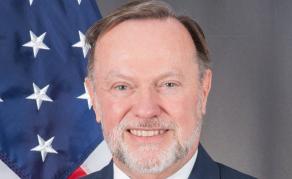 Le secrétaire adjoint aux Affaires africaines des USA en tournée en Afrique