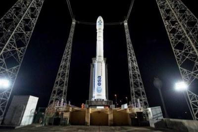 Le décollage est prévu mardi à 22H42 heure de Kourou (01H42 GMT le mercredi). La mission durera environ 55 minutes du décollage à la séparation du satellite.