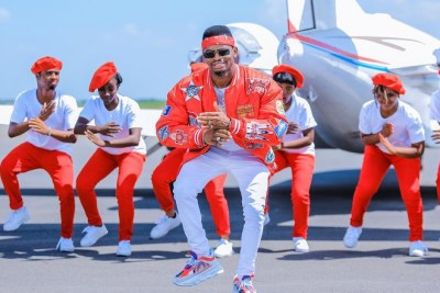 Diamond, Rayvanny accused of stealing video concept of their hit song.