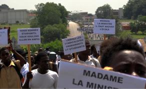 Les étudiants ivoiriens manifestent pour la reprise des cours