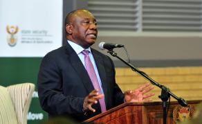 Ramaphosa au Zimbabwe pour discuter coopération économique