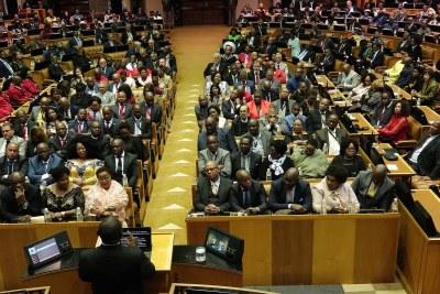 President Cyril Ramaphosa addresses Parliament (file photo).
