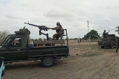 Kenyan soldiers patrolling Kotile village on the border of Lamu and Garissa counties and towards Somalia (file photo).