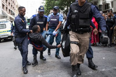 Police arrest a refugee in Cape Town (file photo).