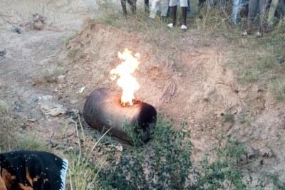 Un explosif, a été découvert à Rayongo dans un bas-fond à seulement une dizaine de mètres d'un pont.
