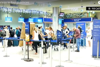 A queue of frustrated passengers at the Port Elizabeth airport on November 15, 2019, after SAA cancelled flights.