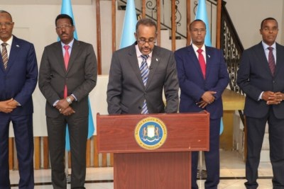 After holding talks with three regional states, Somali Prime Minister Mohamed Hussein Roble has announced that  elections will go forward, despite strong dissent among the country's leaders.