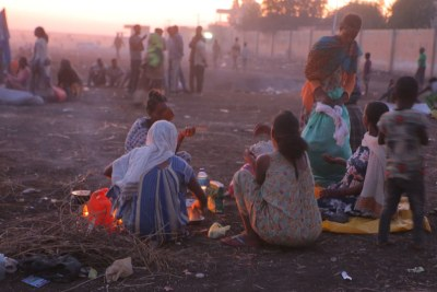 Ethiopian refugees fleeing clashes in the country's northern Tigray region (file photo).