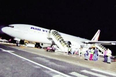 La compagnie Air France? entre autres, ne pourra plus assurer que des vols de rapatriement en partance d'Antananarivo.