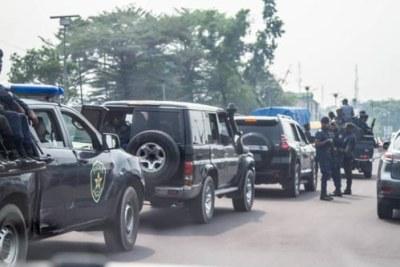 L'escorte du commissaire divisionnaire adjoint de la Police nationale congolaise (PNC) de Kinshasa, Sylvano Kasongo. Mercredi 15 septembre 2021.